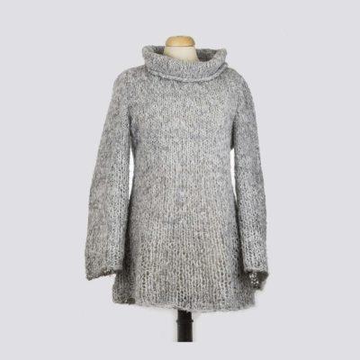 pull fait main au tricot sur mesure