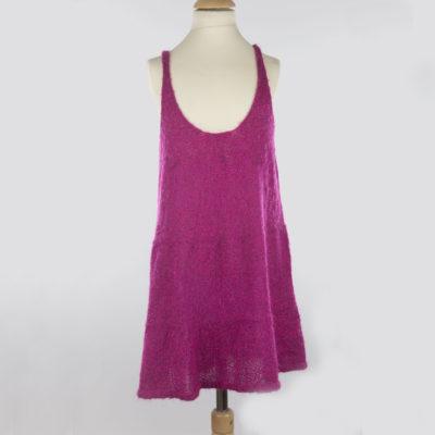 Robe fait-main au tricot de couleur rose