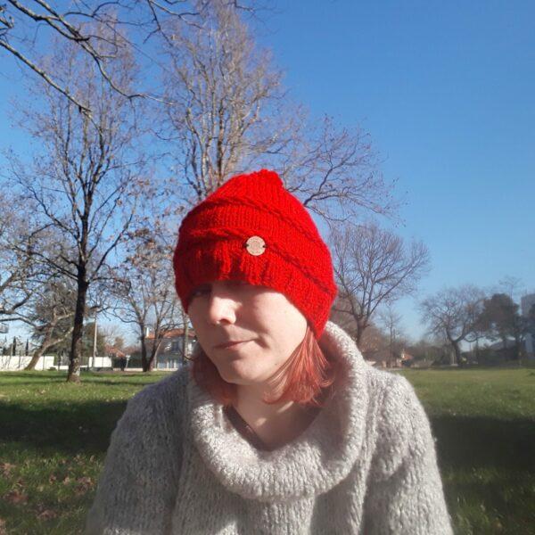 bonnet-modele-chaine-fait -main-couleur-rouge