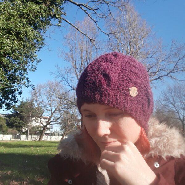 bonnet-modele-torsade-fait -main-couleur-violet