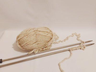 cours-initiation-tricot-monter-les-mailles