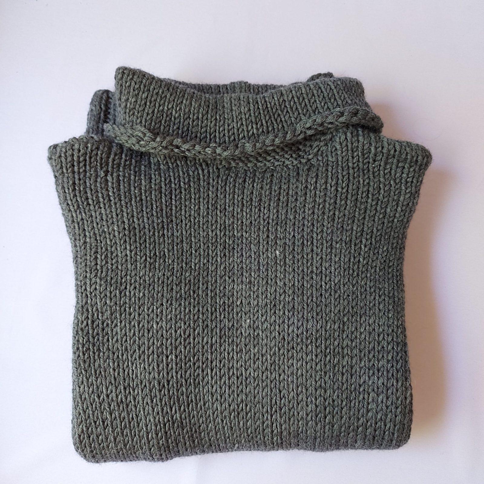 Pull-fait-main-modele-Ga-couleur-gris-1