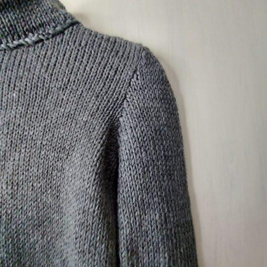 Pull-fait-main-modele-Ga-couleur-gris-9