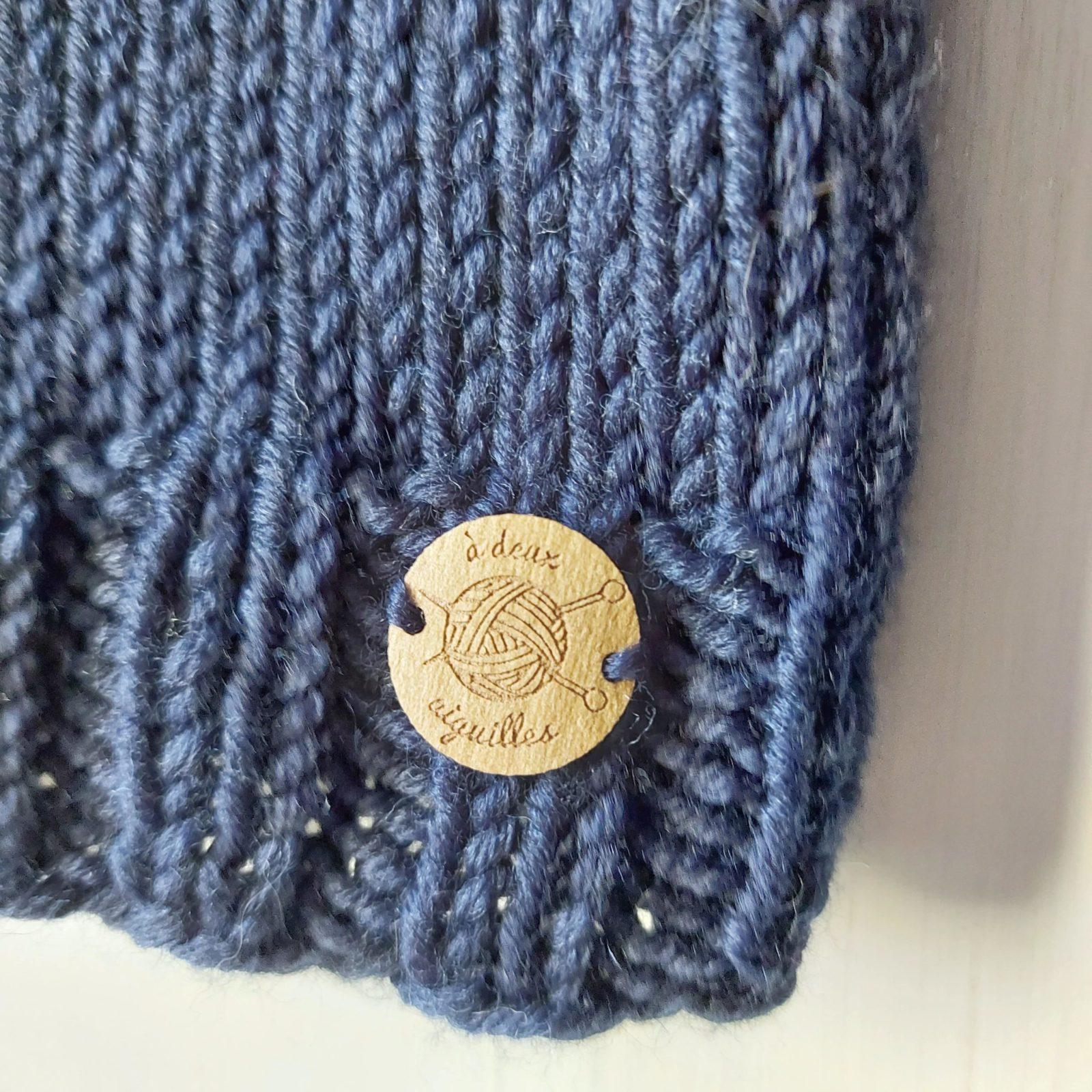 Pull-fait-main-modele-Ni-couleur-bleu